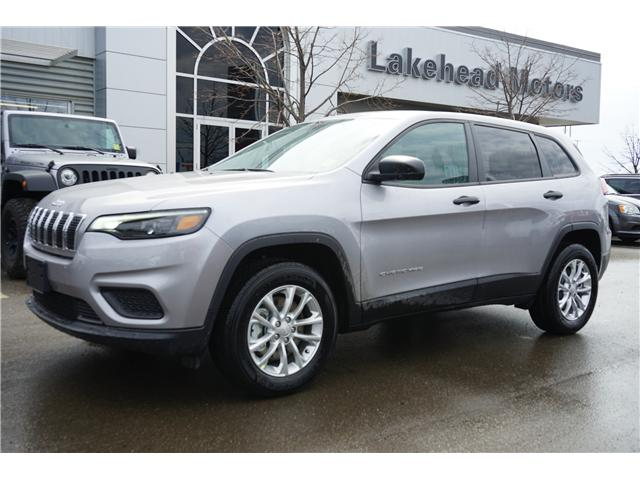 2019 Jeep Cherokee Sport (Stk: 191006) in Thunder Bay - Image 1 of 4