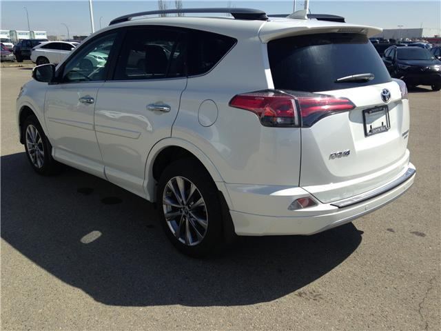 2017 Toyota RAV4 Limited (Stk: 2800882A) in Calgary - Image 5 of 20