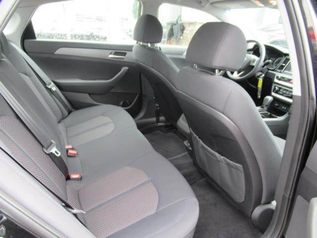 2018 Hyundai Sonata GL (Stk: EE890970) in Surrey - Image 22 of 27