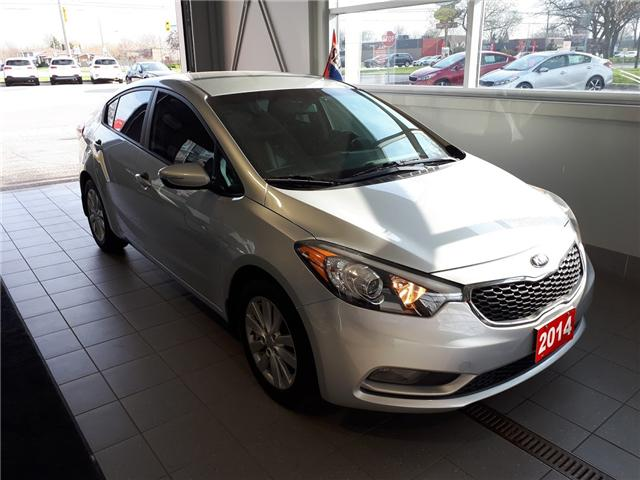 2014 Kia Forte 1.8L SE (Stk: K18357A) in Windsor - Image 1 of 11