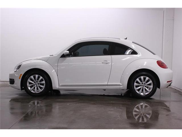 2013 Volkswagen Beetle 2.5L Comfortline (Stk: 19135) in Newmarket - Image 2 of 16