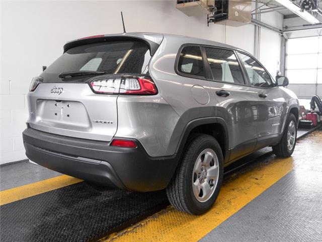 2019 Jeep Cherokee Sport (Stk: K746670) in Burnaby - Image 2 of 6