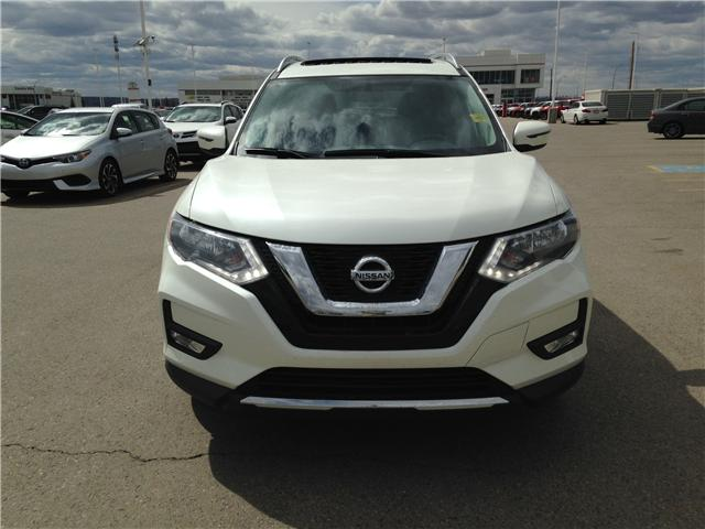 2017 Nissan Rogue SV (Stk: 284082) in Calgary - Image 2 of 14
