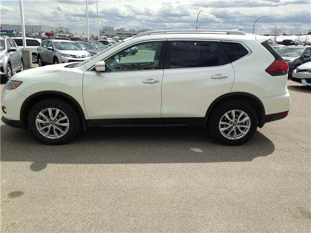 2017 Nissan Rogue SV (Stk: 284082) in Calgary - Image 4 of 14