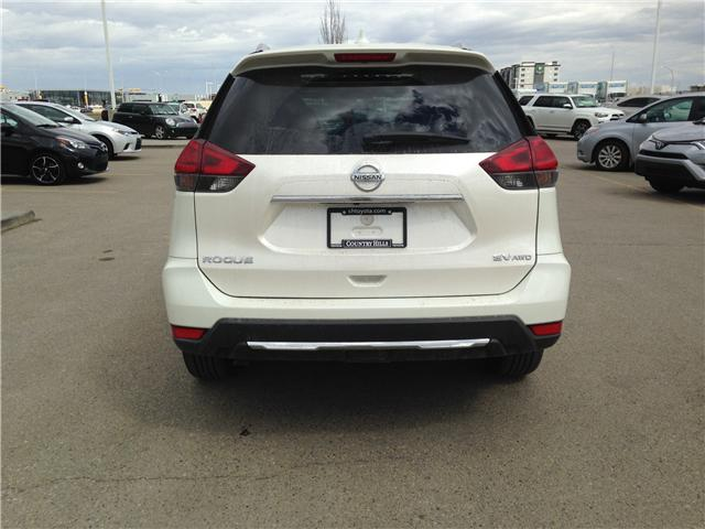 2017 Nissan Rogue SV (Stk: 284082) in Calgary - Image 6 of 14