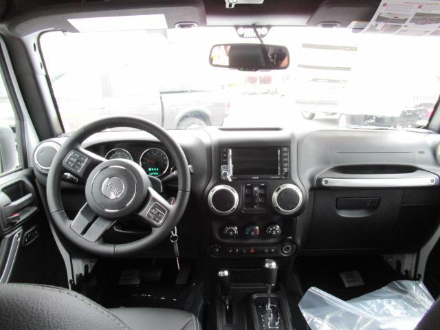 2018 Jeep Wrangler JK Unlimited Sahara (Stk: J864107) in Surrey - Image 12 of 14