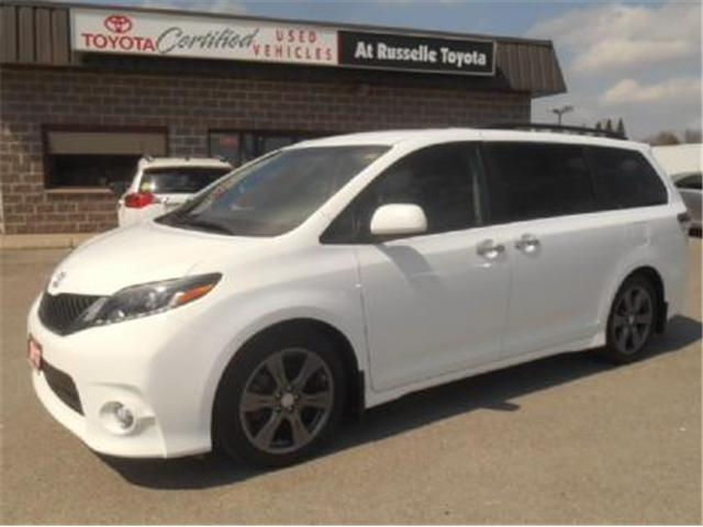 2017 Toyota Sienna  (Stk: U7187) in Peterborough - Image 1 of 11