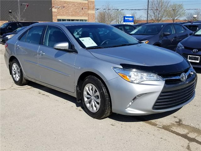2016 Toyota Camry LE (Stk: U00684) in Guelph - Image 3 of 22