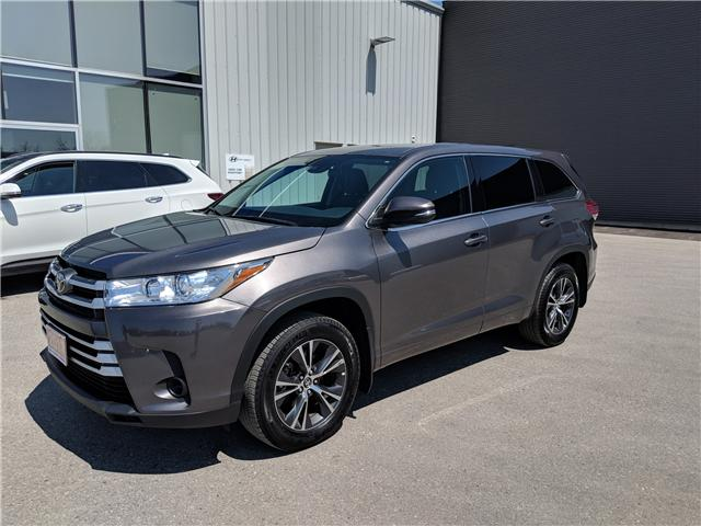 2017 Toyota Highlander LE (Stk: 85033) in Goderich - Image 2 of 18