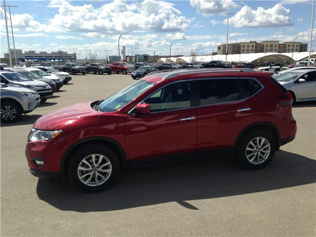 2017 Nissan Rogue SV (Stk: 284087) in Calgary - Image 4 of 15