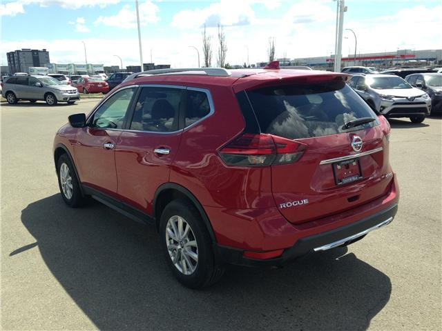 2017 Nissan Rogue SV (Stk: 284087) in Calgary - Image 5 of 15
