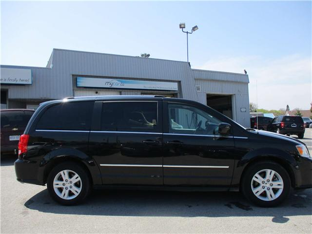 2017 Dodge Grand Caravan Crew (Stk: 180548) in North Bay - Image 2 of 14