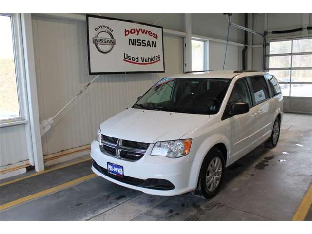 2016 Dodge Grand Caravan SE/SXT (Stk: P0565) in Owen Sound - Image 1 of 13