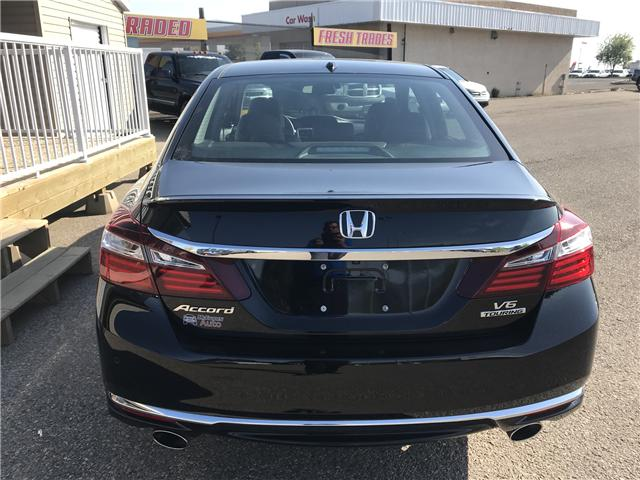 2017 Honda Accord Touring V6 (Stk: B1971) in Lethbridge - Image 9 of 26