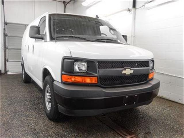 2017 Chevrolet Express 2500 1WT (Stk: P9-54900) in Burnaby - Image 2 of 23