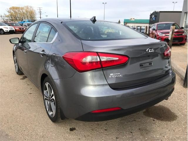 2015 Kia Forte 2.0L SX (Stk: B4011) in Prince Albert - Image 2 of 5