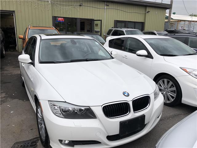 2009 BMW 328i xDrive (Stk: -) in Ottawa - Image 2 of 12
