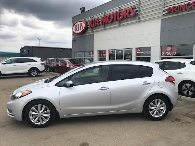 2016 Kia Forte 2.0L LX+ (Stk: B4009) in Prince Albert - Image 2 of 10