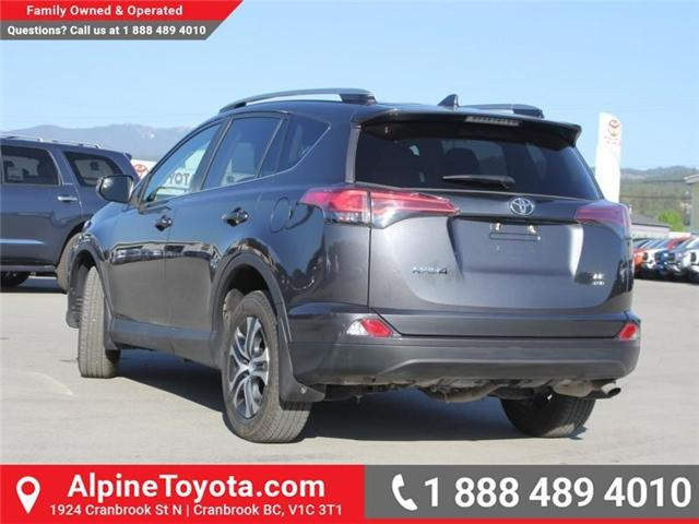 2017 Toyota RAV4 LE (Stk: W578512M) in Cranbrook - Image 3 of 19