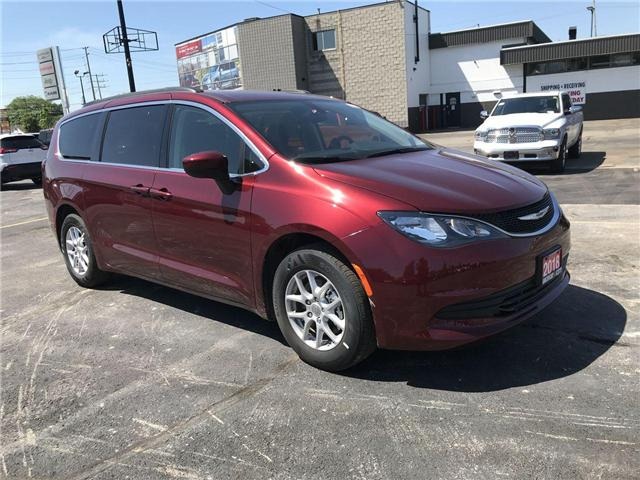 2018 Chrysler Pacifica LX (Stk: 18123) in Windsor - Image 1 of 11