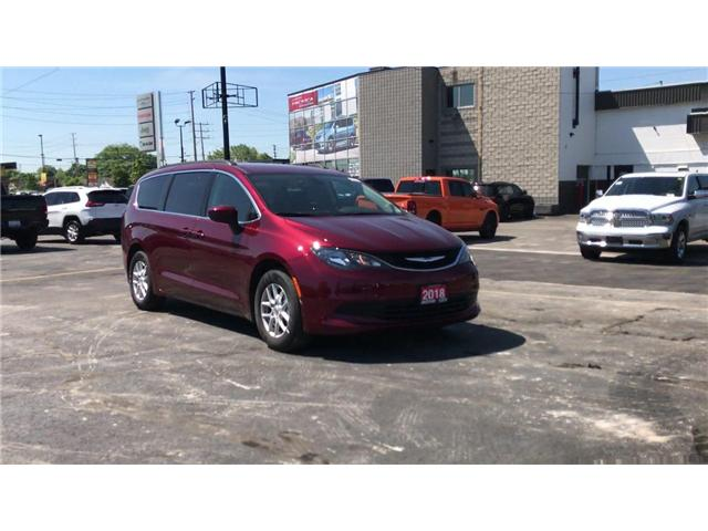 2018 Chrysler Pacifica LX (Stk: 18123) in Windsor - Image 2 of 11