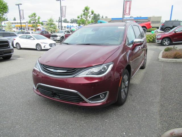 2018 Chrysler Pacifica Hybrid Limited (Stk: J118521) in Surrey - Image 2 of 19