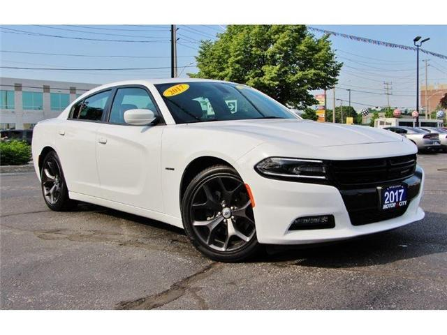 2017 Dodge Charger R/T 5.7L Hemi Heated Leather Sun Roof (Stk: 44492) in Windsor - Image 1 of 28