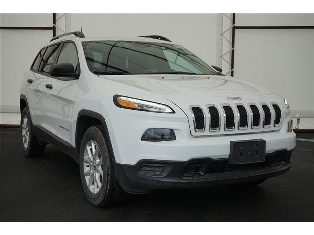2018 Jeep Cherokee Sport (Stk: 181304) in Thunder Bay - Image 1 of 6