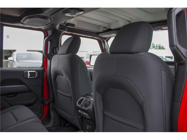 2018 Jeep Wrangler Unlimited Sahara (Stk: J153696) in Abbotsford - Image 16 of 26