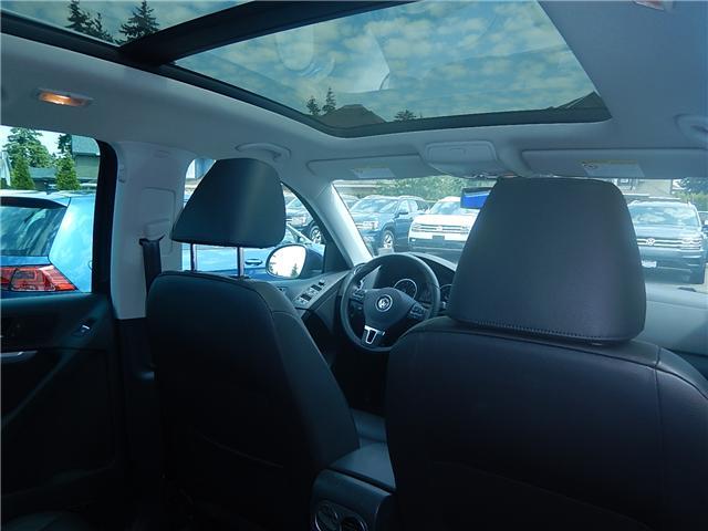 2017 Volkswagen Tiguan Comfortline (Stk: VW0694) in Surrey - Image 19 of 26