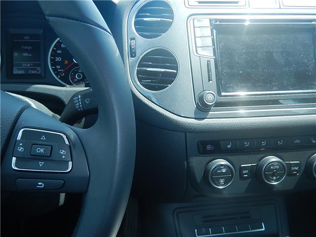 2017 Volkswagen Tiguan Comfortline (Stk: VW0694) in Surrey - Image 9 of 26