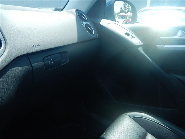 2017 Volkswagen Tiguan Comfortline (Stk: VW0694) in Surrey - Image 14 of 26
