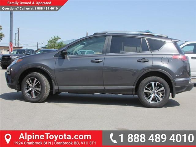 2018 Toyota RAV4 XLE (Stk: W789370) in Cranbrook - Image 2 of 17
