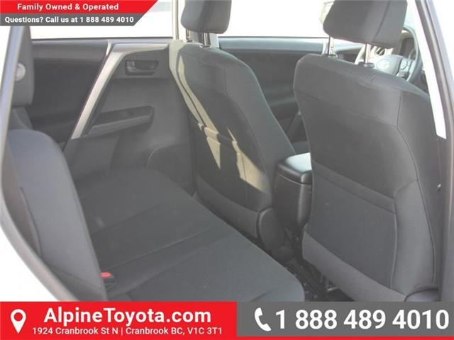 2018 Toyota RAV4 LE (Stk: W795128) in Cranbrook - Image 10 of 16