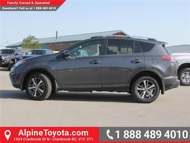 2018 Toyota RAV4 XLE (Stk: W796844) in Cranbrook - Image 2 of 17