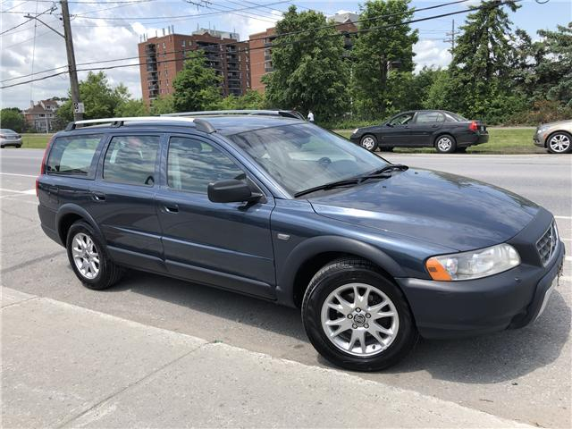 2006 Volvo XC70 2.5T (Stk: -) in Ottawa - Image 2 of 18