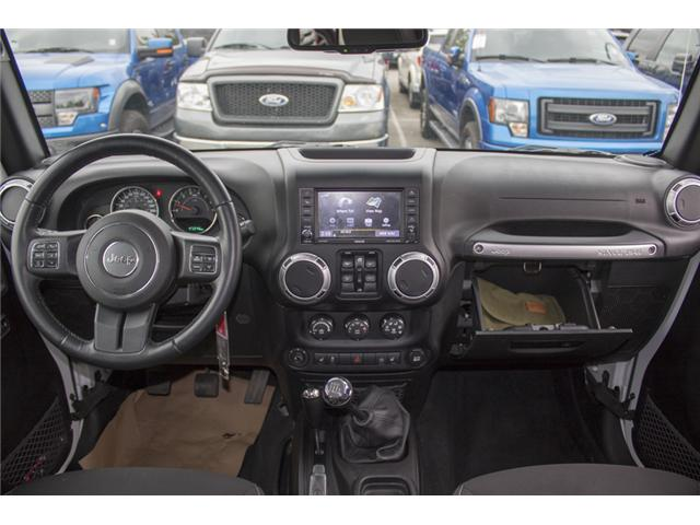 2015 Jeep Wrangler Unlimited Sahara (Stk: J863955A) in Abbotsford - Image 16 of 22