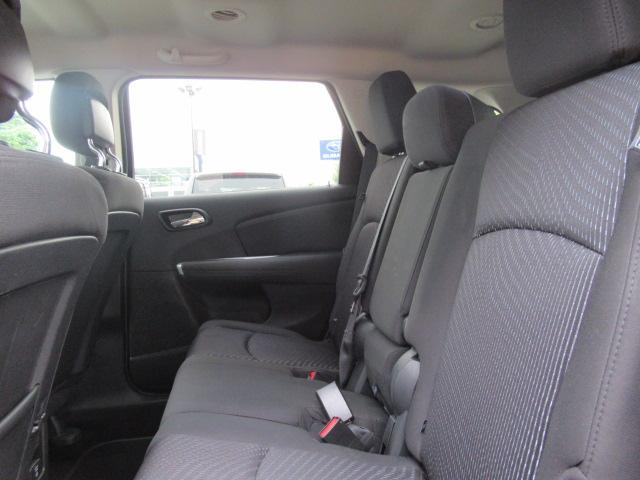 2016 Dodge Journey SXT/Limited (Stk: EE891750A) in Surrey - Image 16 of 24