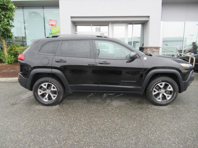 2017 Jeep Cherokee Trailhawk (Stk: EE893570) in Surrey - Image 8 of 29