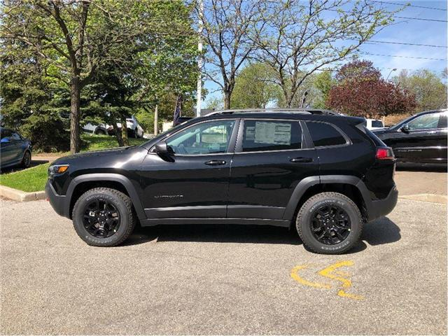 2019 Jeep Cherokee Trailhawk (Stk: 194007) in Toronto - Image 2 of 20
