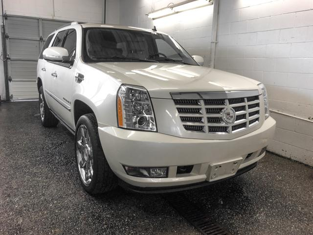 2009 Cadillac Escalade Base (Stk: C8-85221) in Burnaby - Image 1 of 23