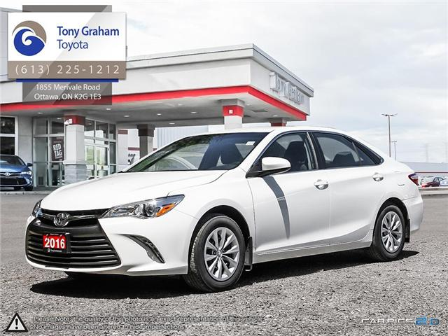 2016 Toyota Camry LE (Stk: E7529) in Ottawa - Image 1 of 25