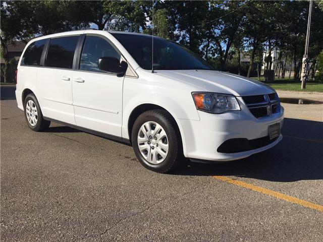 2016 Dodge Grand Caravan SE/SXT (Stk: 9662.0) in Winnipeg - Image 1 of 26