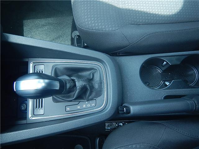 2017 Volkswagen Jetta 1.4 TSI Trendline+ (Stk: HJ267990) in Surrey - Image 13 of 27