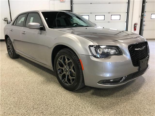 2018 Chrysler 300 S (Stk: P11583) in Calgary - Image 2 of 12