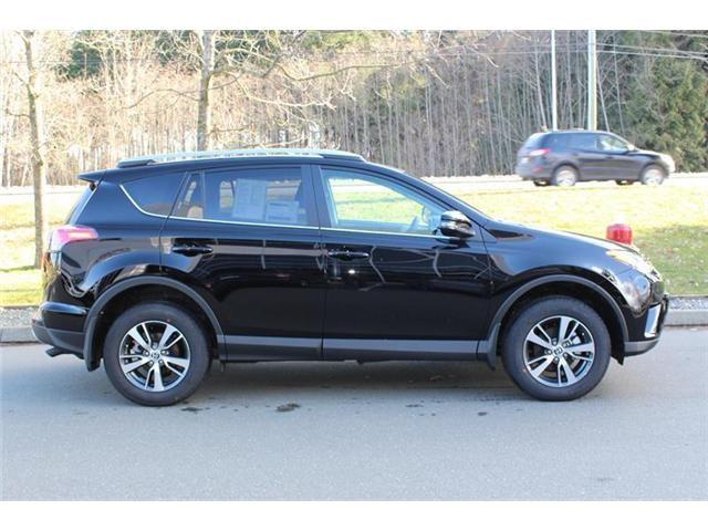 2018 Toyota RAV4 AWD (Stk: 11916) in Courtenay - Image 2 of 25