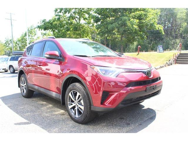 2018 Toyota RAV4 AWD (Stk: 11955) in Courtenay - Image 1 of 18