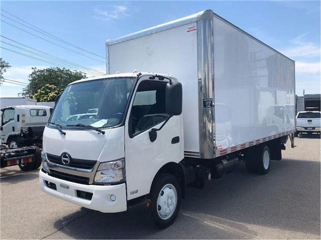 2016 Hino 195 SOLD!Used 2016 Hino 195 With 20' Body & Tailgate (Stk: ST1001224T) in Toronto - Image 1 of 15