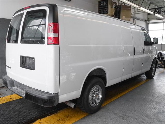 2017 Chevrolet Express 2500 1WT (Stk: 9-5900-0) in Burnaby - Image 2 of 22