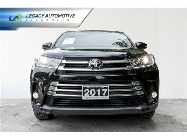 2017 Toyota Highlander XLE (Stk: P8069) in Kincardine - Image 2 of 29
